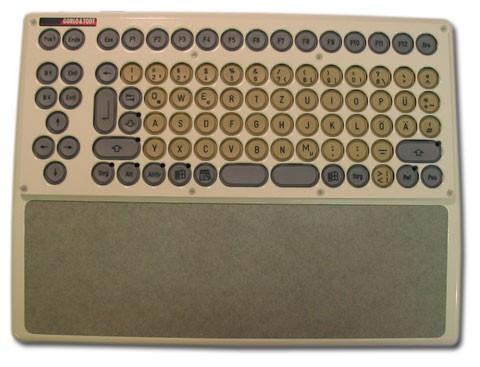 Compact-Kompakttastatur-Handballenauflage.jpg